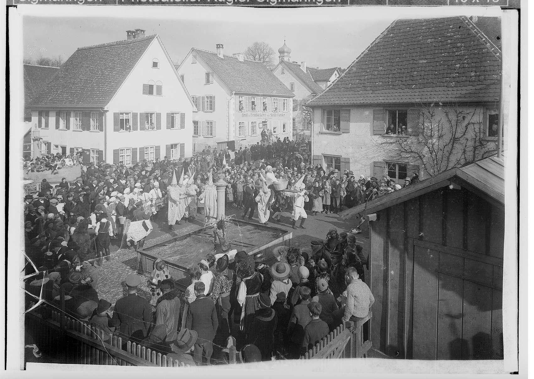 Fasnacht Krauchenwies 1936; Bräuteln, Bild 1