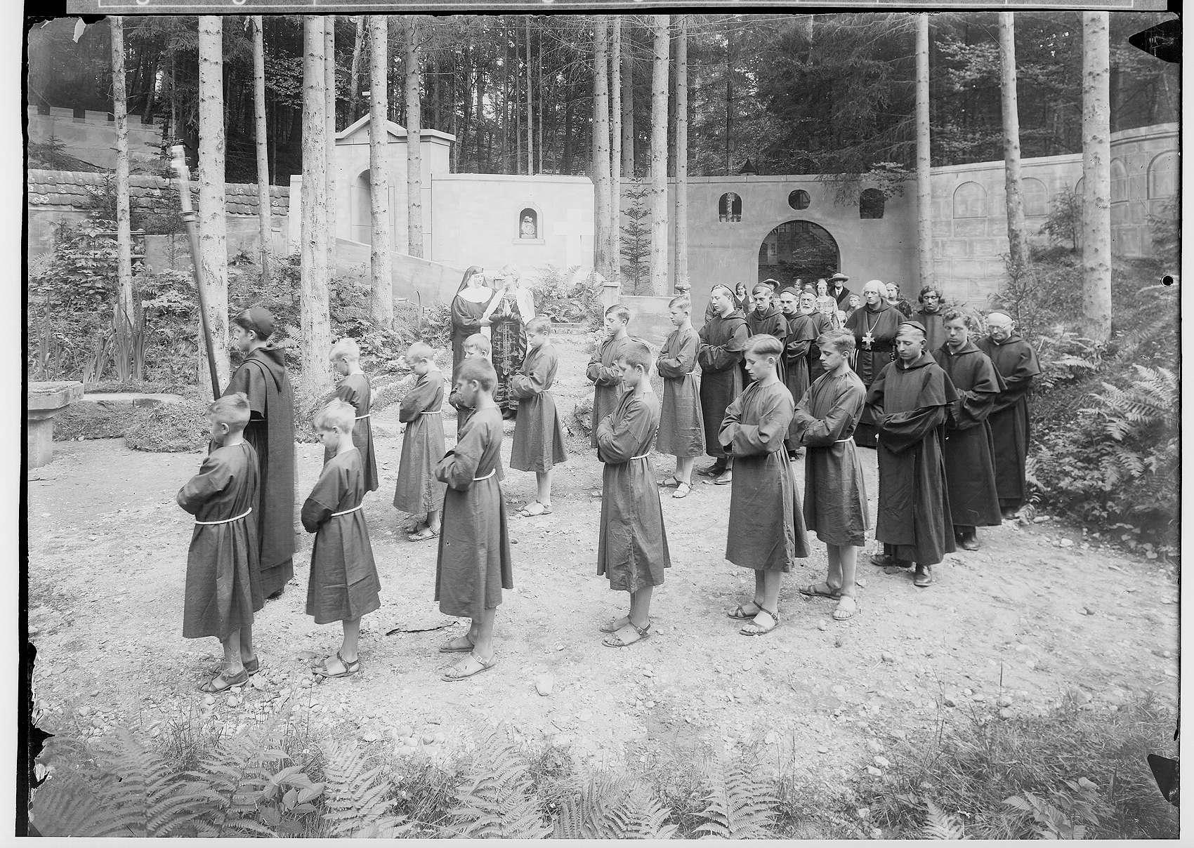 Waldbühne Sigmaringendorf - Ekkehard (Franz Kaim); Szenenbild, Bild 1