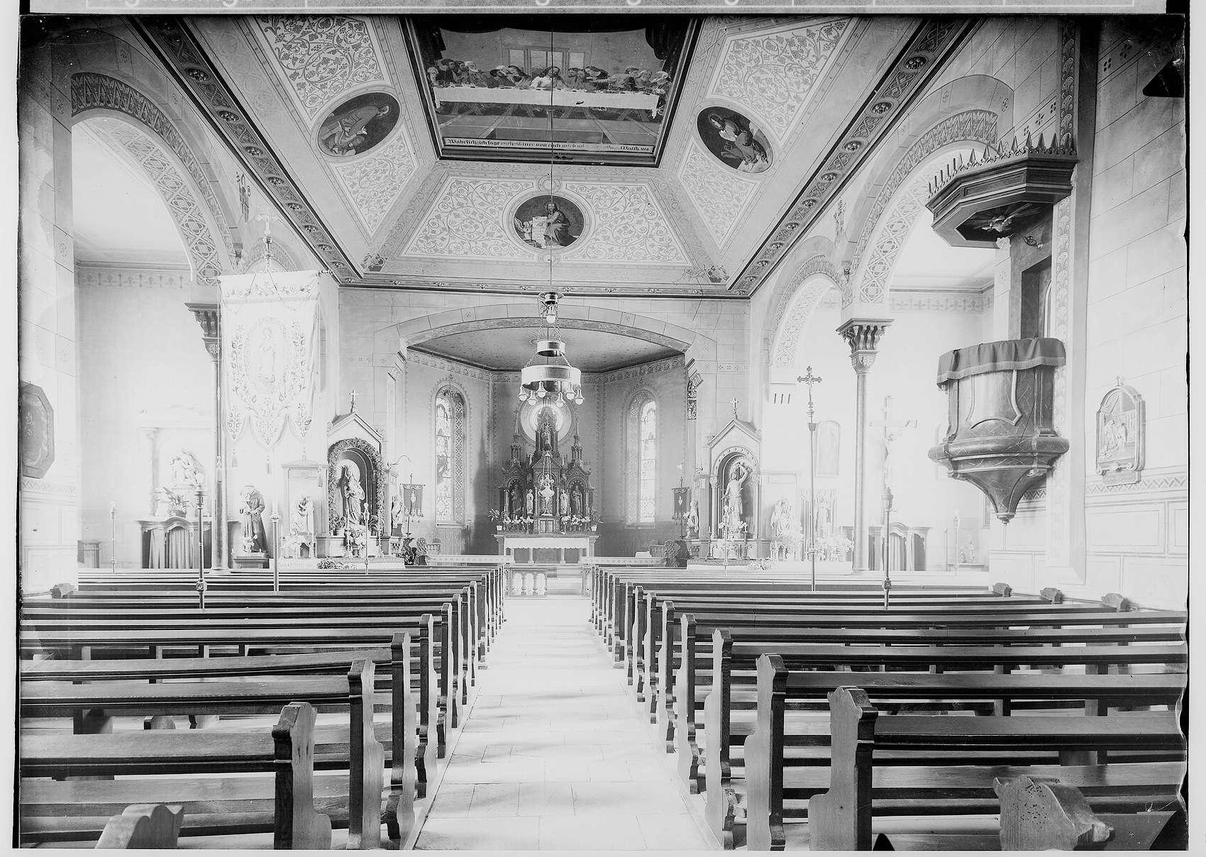 Sigmaringendorf; Kirche - Innenraum, Bild 1
