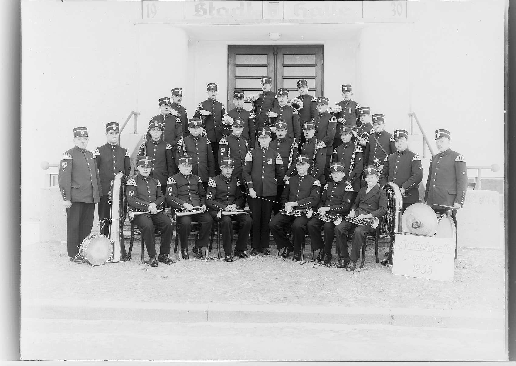 Hüttenkapelle Laucherthal vor der Sigmaringer Stadthalle, Bild 1