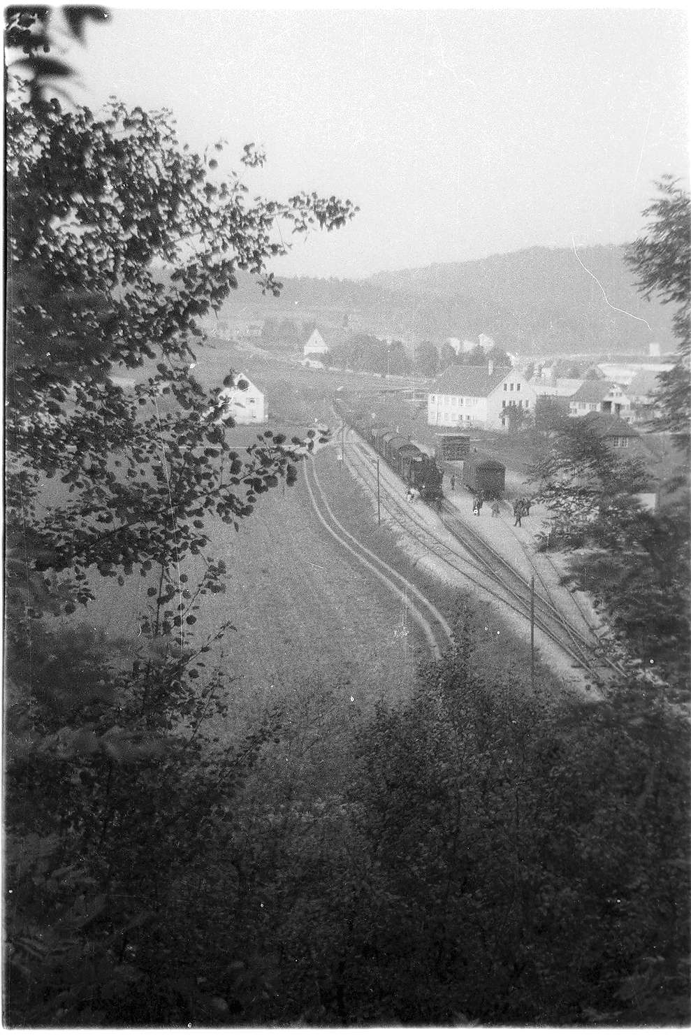 Veringenstadt, Lok 15, Güterzug 313, Personenwagen BB 28, Bauart Langenschwalbach, Bild 1
