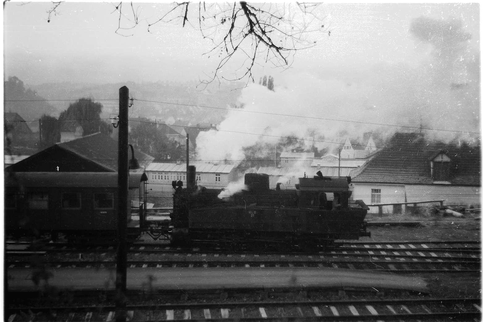 Hechingen, Zug 300, Lok 21, Blick vom Bundesbahnhof, Bild 1