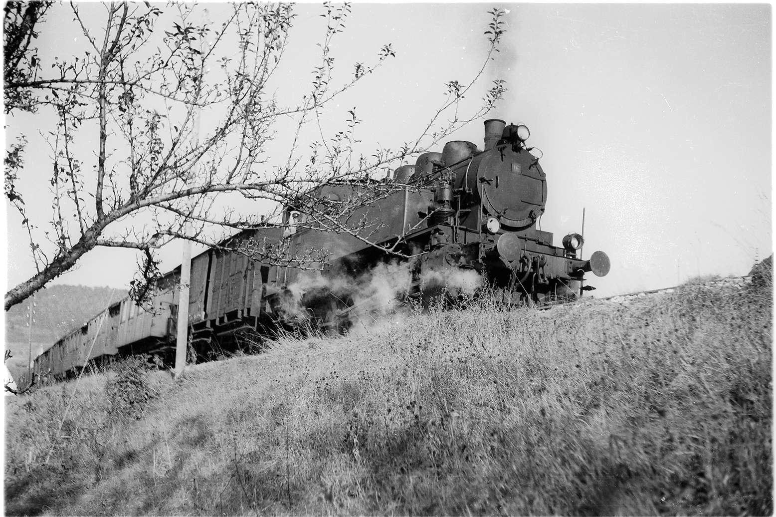 Lok 16 in voller Kraftentfaltung, Steilstrecke 1:36, Killer - Hausen, Bild 1