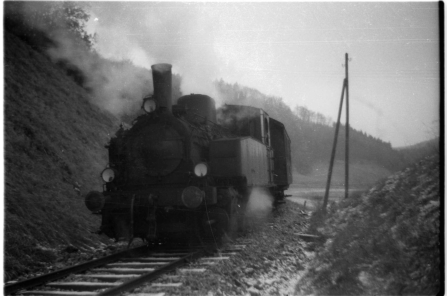 Strecke Trochtelfingen - Mägerkingen, Lok 12, in den 1930er Jahren war Lok 12 vor allem in Haigerloch stationiert, Bild 1