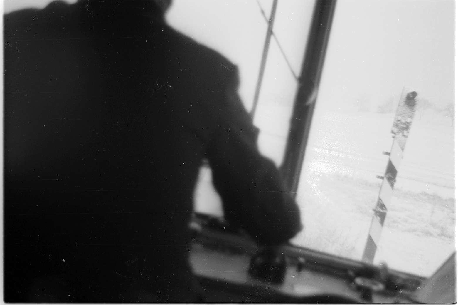 Killer, Blick aus Triebwagen VT 1 (1934 - 1975), Blinklicht-Überwachungssignal NE 80, Handkurbeln des Führerstandes, Bild 1
