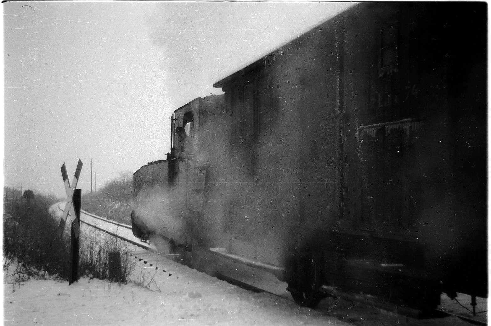 Stein, Lok 12, Zug 305, Bild 1