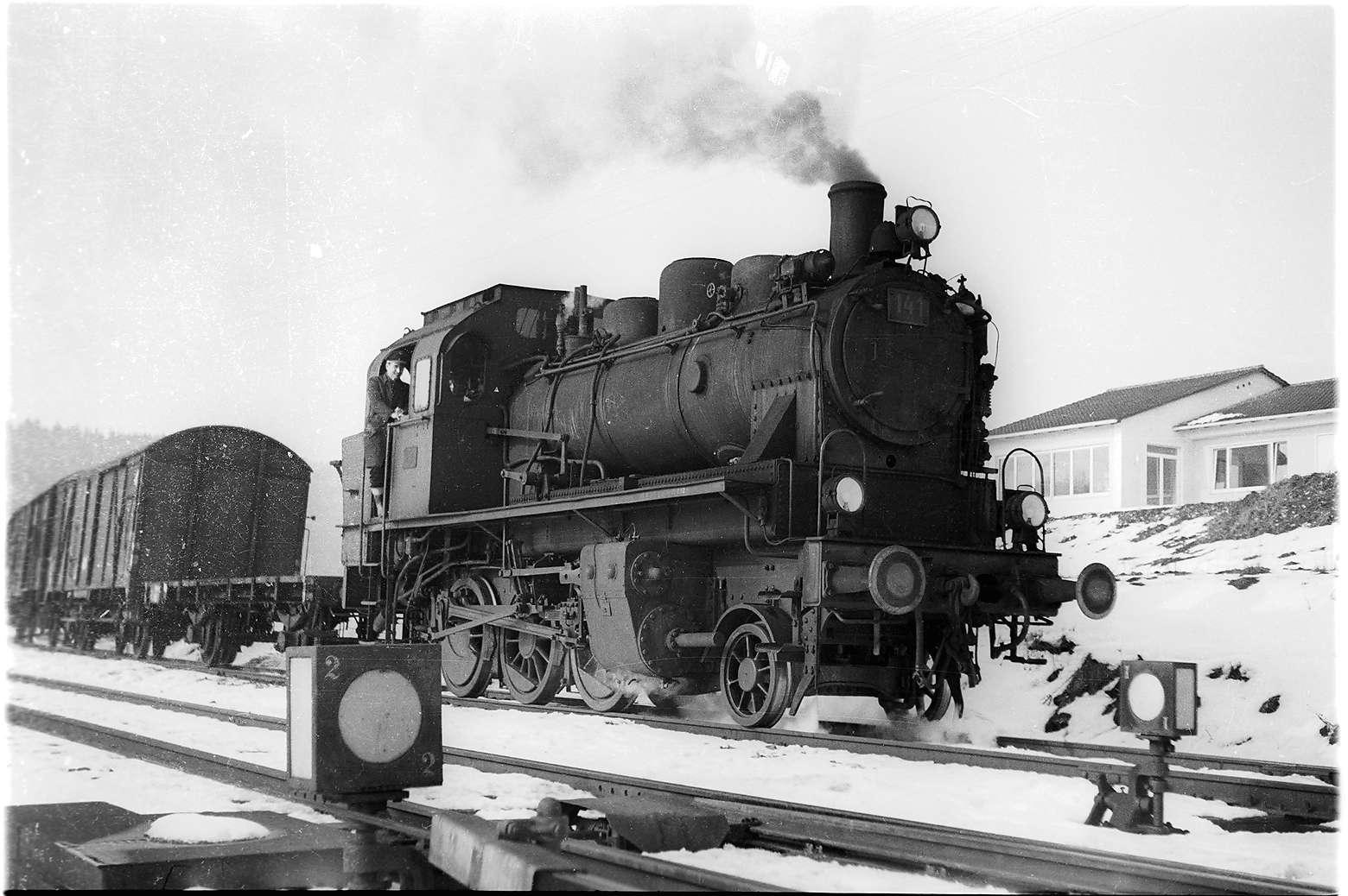 Gammertingen, Lok 141 auf dem Engstinger Gleis, Bild 1