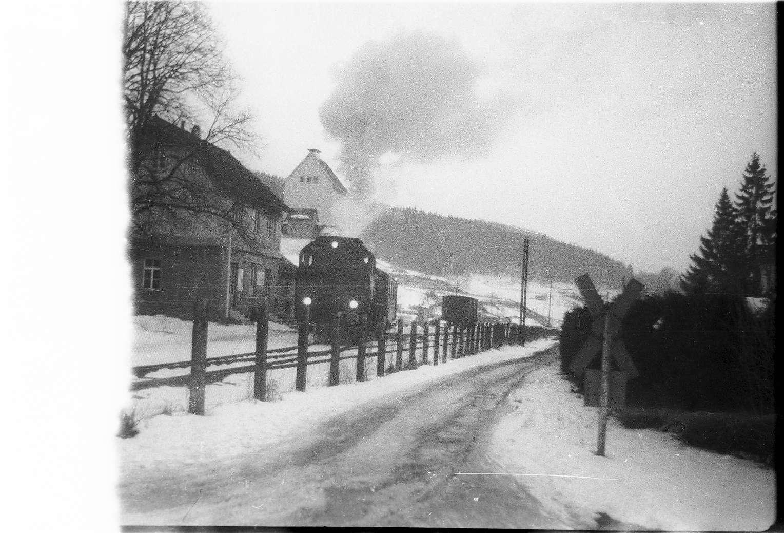 Trochtelfingen, Lok 141, Wagenabstellen am Lagerhaus, Bild 1
