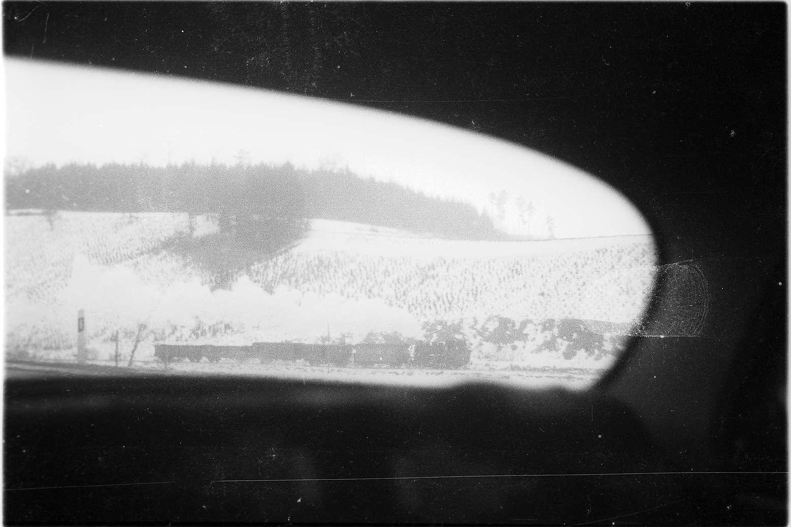 Lok 141 bei Trochtelfingen, Blick aus einem Auto, Bild 1