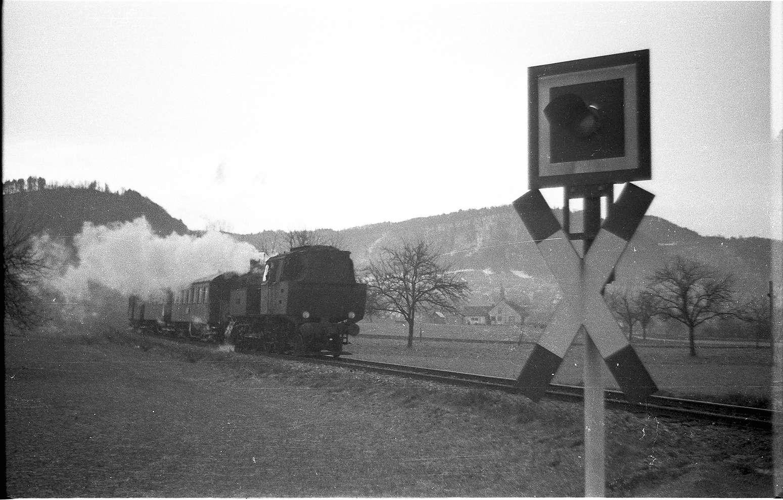 Lok 15, 298, Bundesstraße 32 bei Killer, Blinkanlage, Bild 1