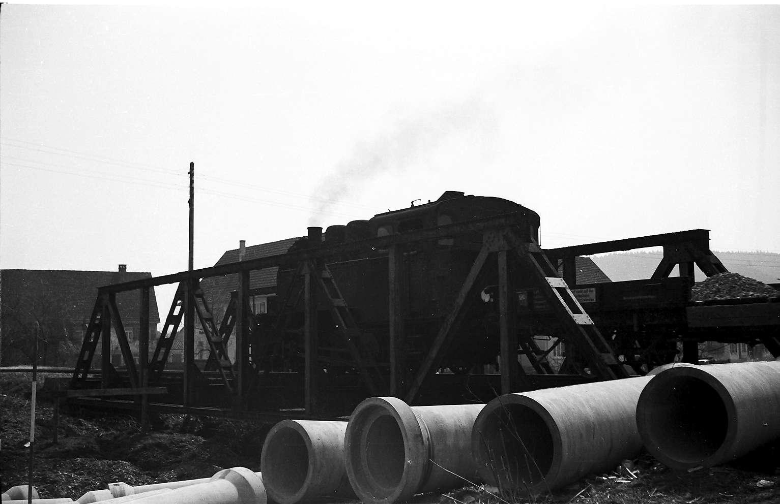 Lok 16, Az 405 Baustelle Rangendingen, Eisenfachwerkbrücke von 1912 kurz vor dem Abbruch, Bild 1
