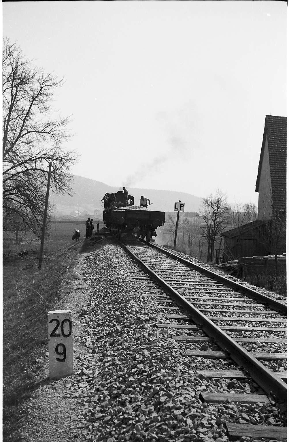 Lok 16, Az 405 Baustelle Rangendingen, Kilometer 20.9 alter Kilometerstein, 20 Kilometer ab Eyach beginnend, Bild 1