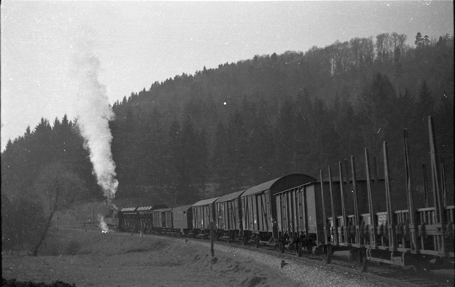 Lok 21, G(St) 305, Salzwagen und Eisenwagen, Ausfahrt Bad Imnau Richtung Haigerloch, Bild 1