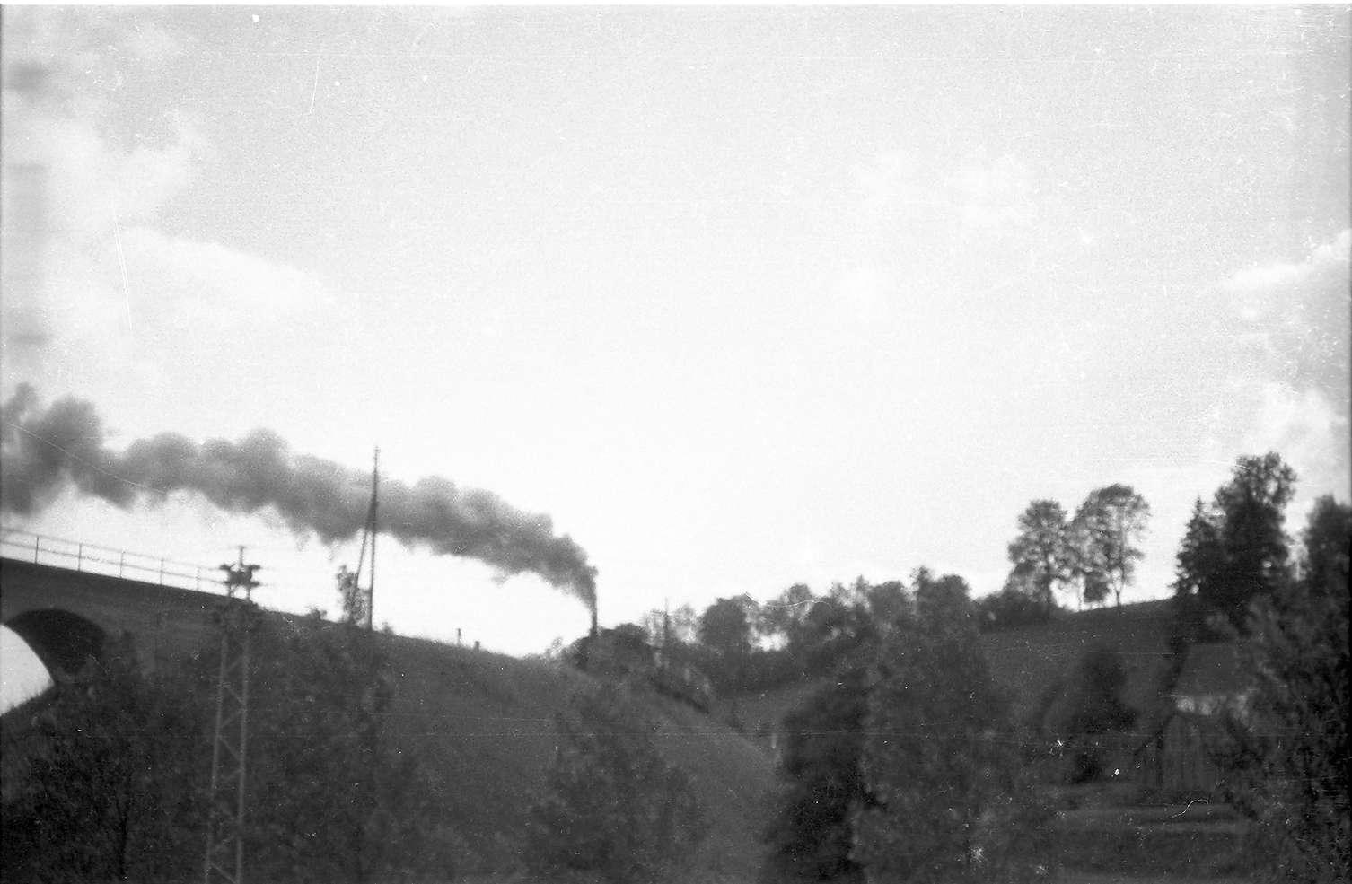 Lok 21, Viadukt Gammertingen, Nachschieben des Triebwagens VT 2 zur Fehlahöhe, Bild 1