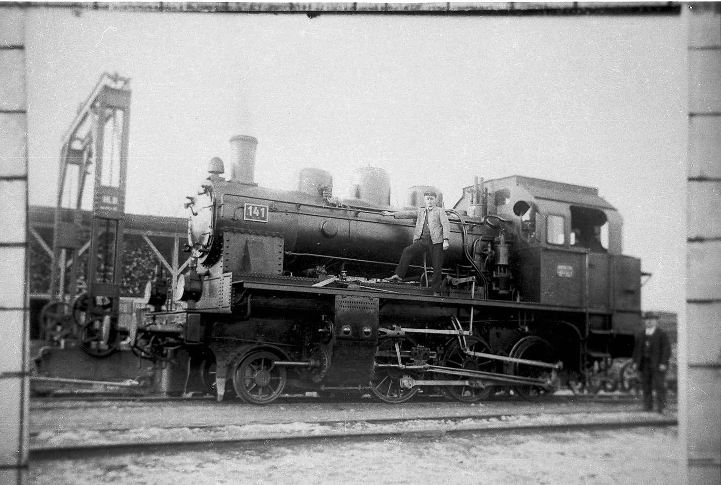 Lok 141 mit Petroleumlampen, Gammertingen, Josef Fritz (geboren 1907 in Trochtelfingen, Unfalltod 1968 im Harter Wald), Bild 1