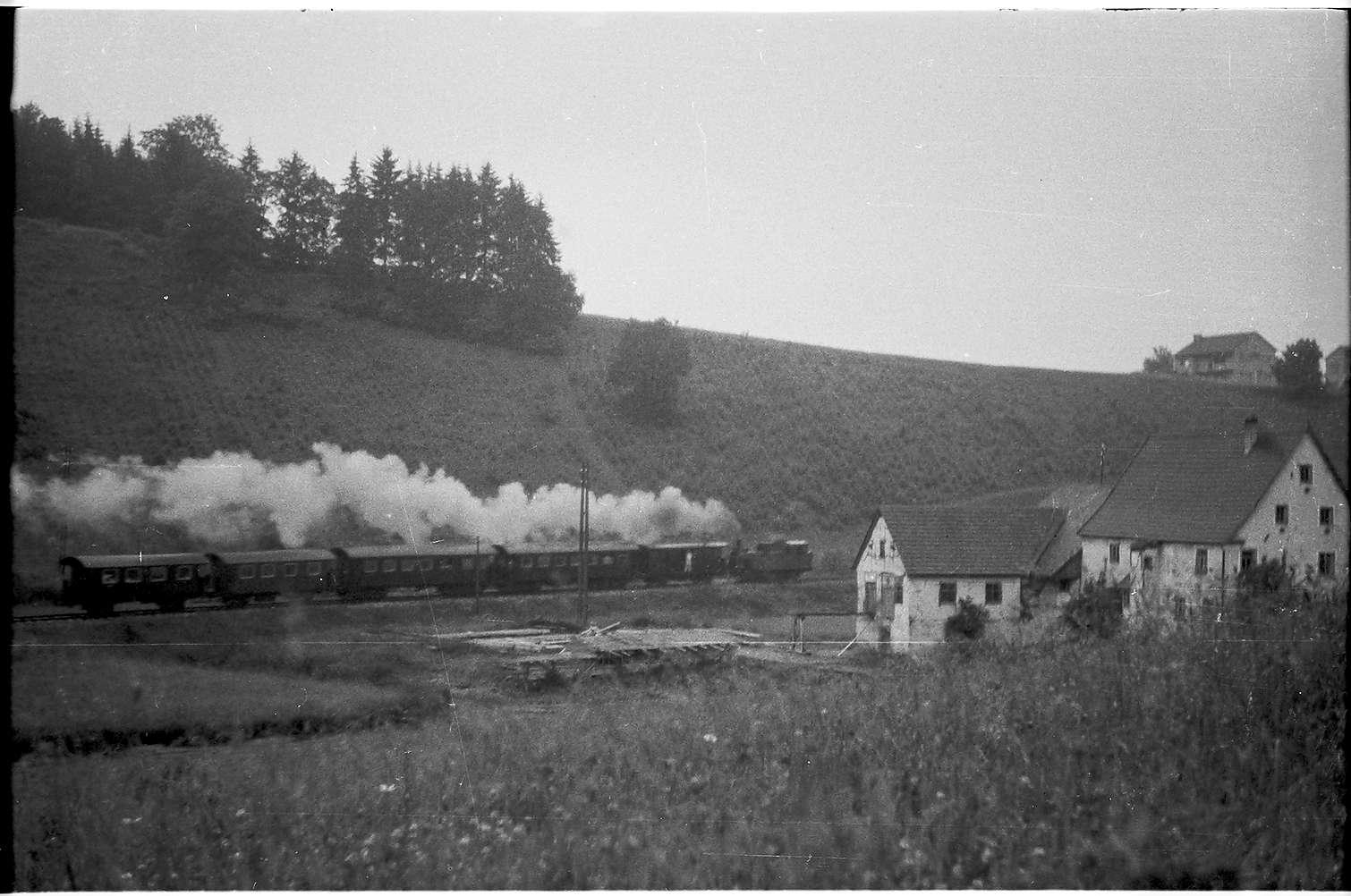 Mägerkingen - Trochtelfingen, Lok 11, Untere Mühle, 1993 wurde im Mittelgrund eine Reithalle gebaut, Bild 1