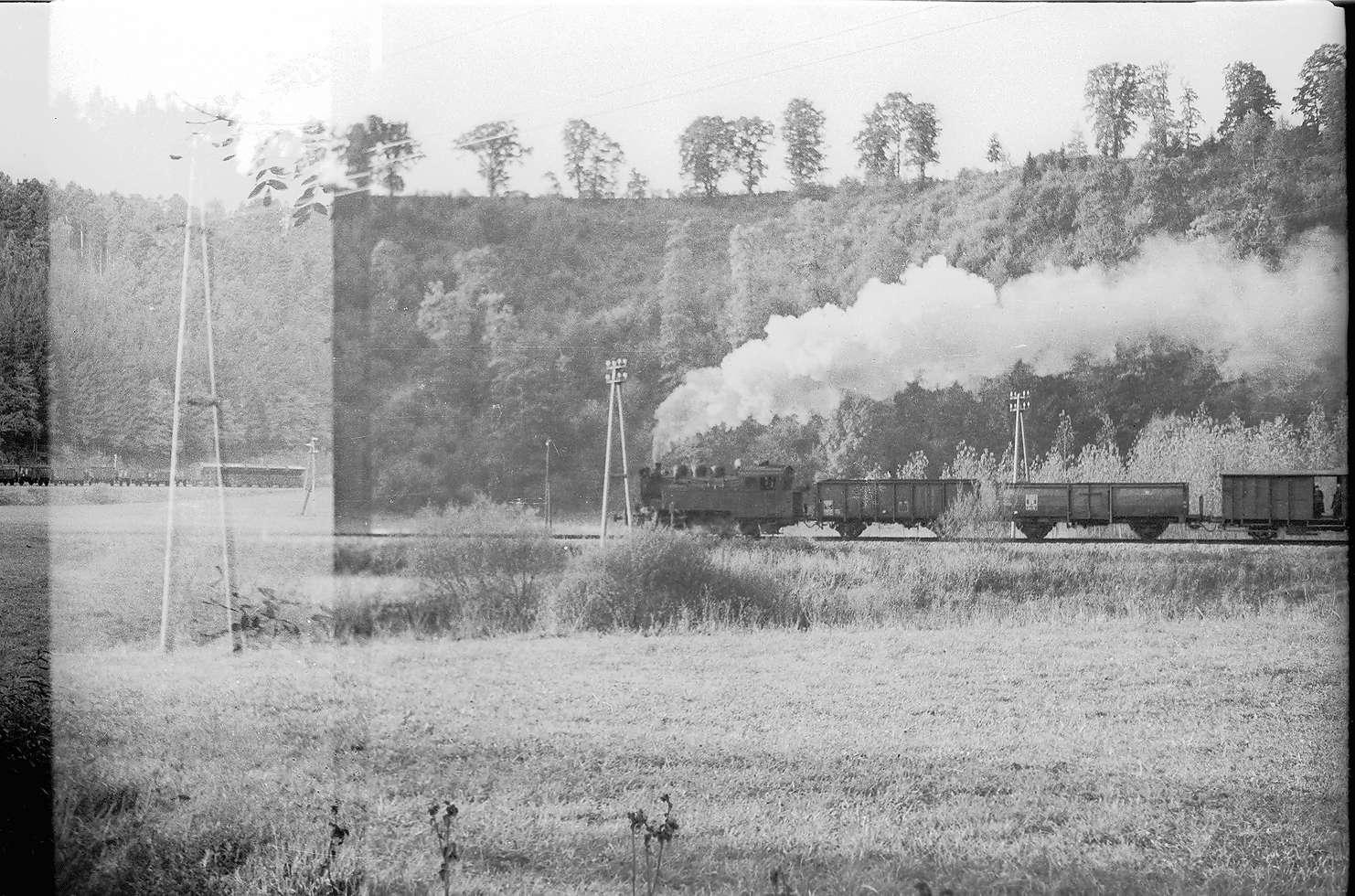Dampflok 16, Güterzug mit Stückgutbeförderung G(ST)305 W im Eyachtal bei Bad Imnau, Bild 1
