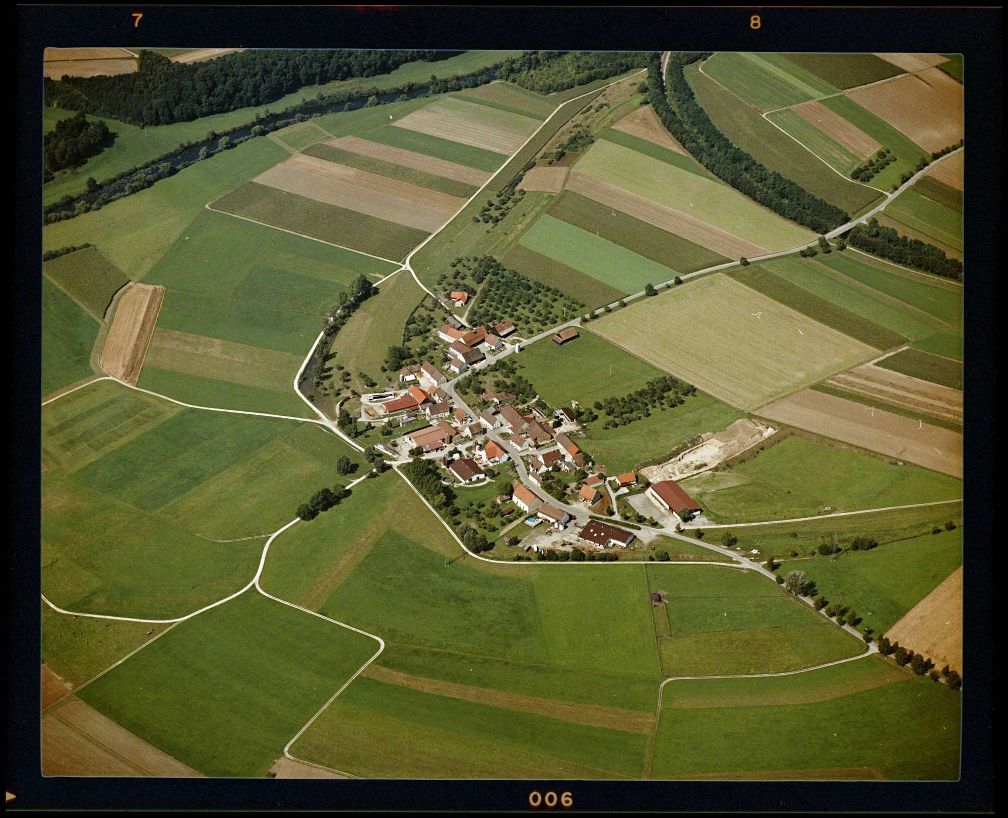 Algershofen, Luftbild, Bild 1