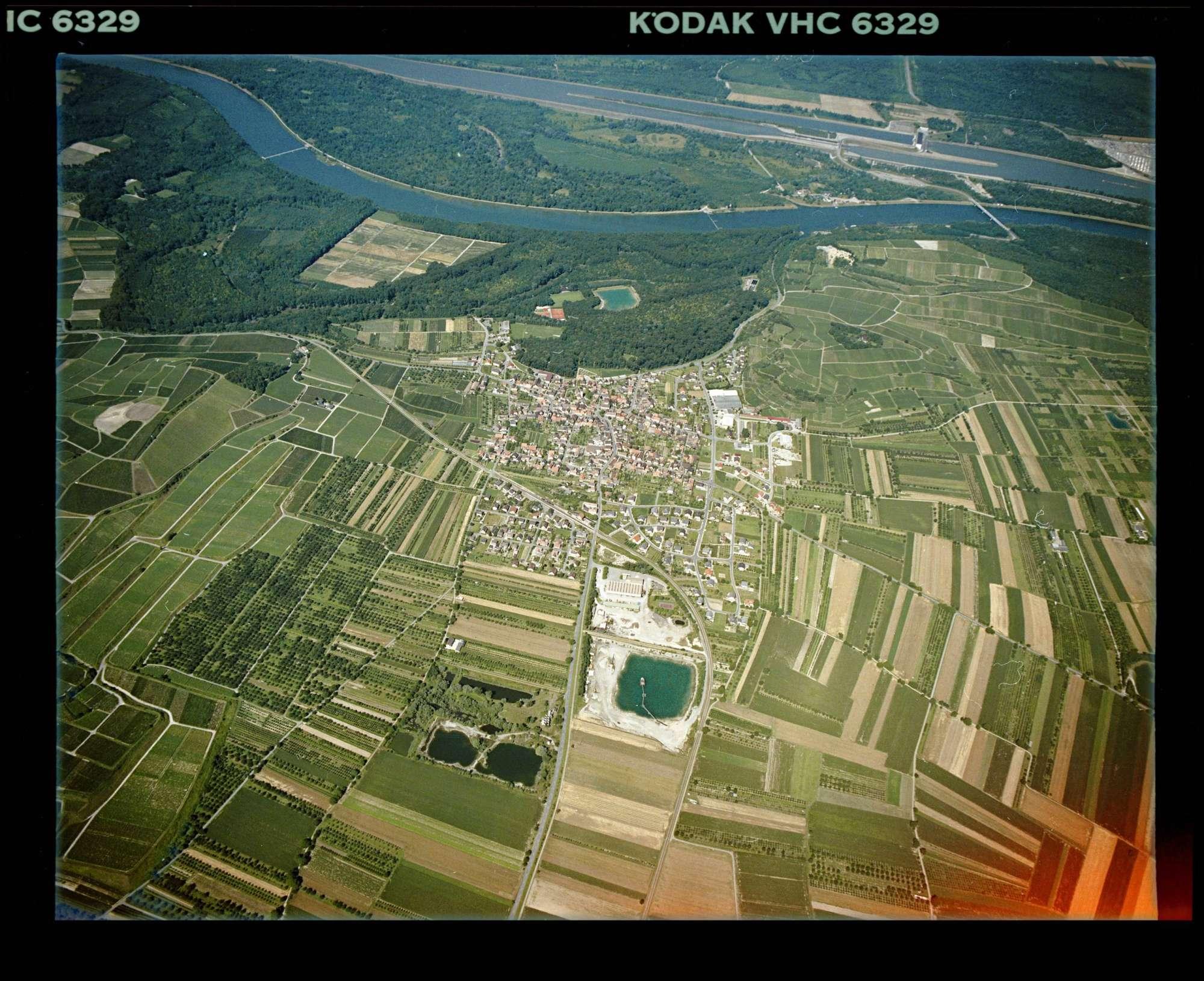 Sasbach am Kaiserstuhl, Luftbild, Bild 1